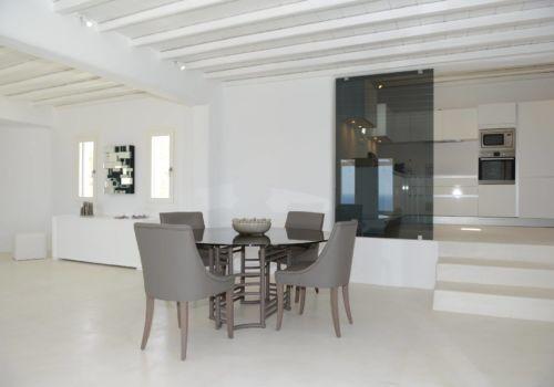 Villa Astarte dining area