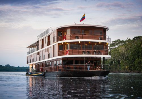 Amazon Cruise anakonda