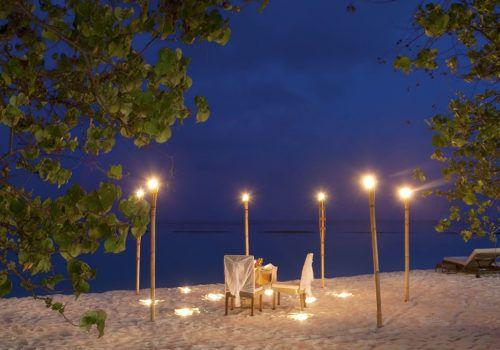 Constance Moofushi beach