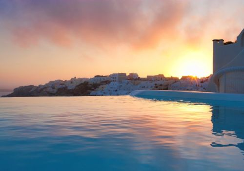 Canaves Oia Suites plunge pool