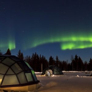 kakslauttanen glass igloo lapland