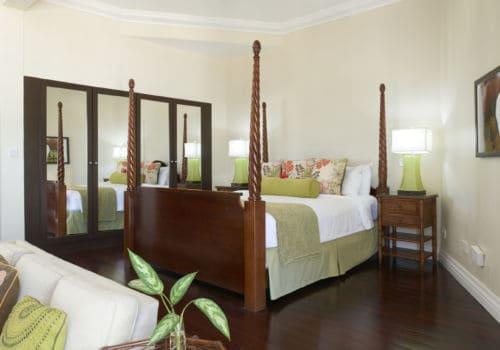 Luxury Beachfront Suite  bedroom
