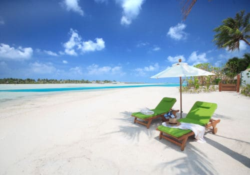 Naladhu Maldives beach