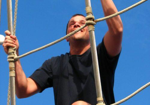 Royal-Clipper-climbing-mast