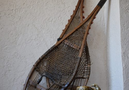 antique-snowshoes-and-mug-2072463_1920