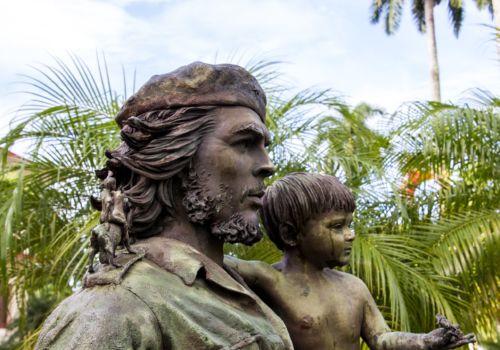 Che Guevara statue in Santa Barbara