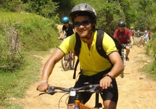 Gay cycling trips in Asia