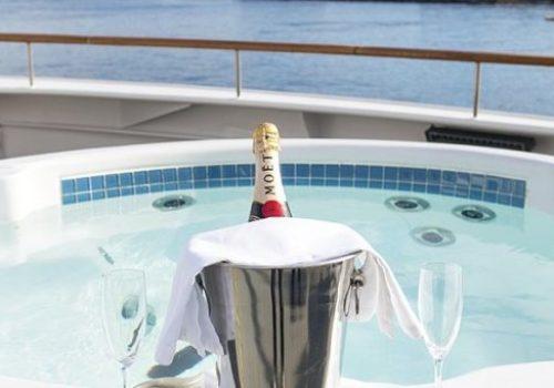 Jacuzzi On board boat