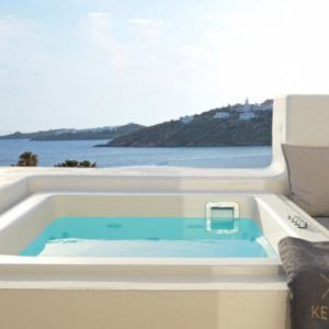 Deluxe Room With Outdoor Hot Tub