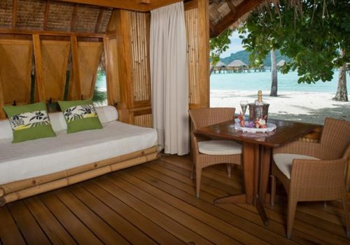 otemanu-view-beach-suite-with-jacuzzi