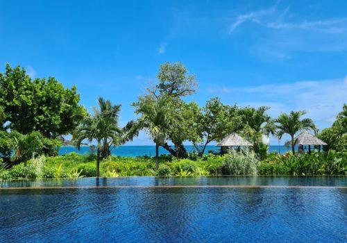 Raffles Seychelles pool
