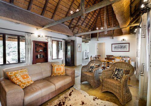 Rhino Lodge The Cottage living room