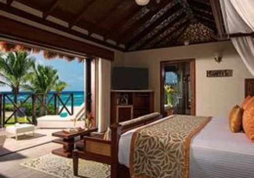 Secrets Silversands honeymoon suite